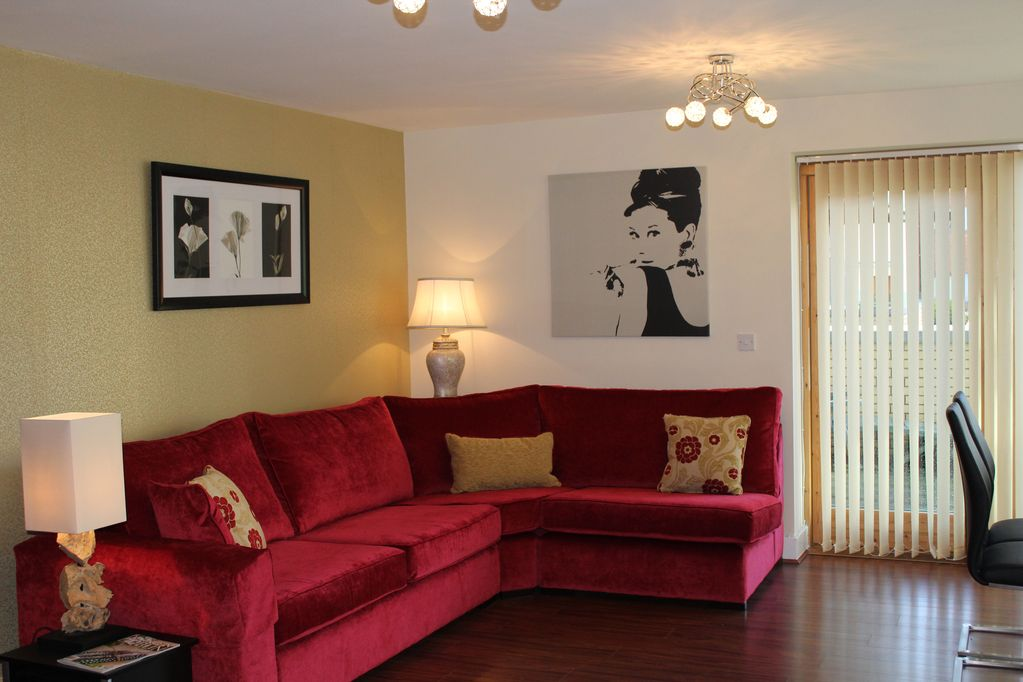 Easy To City And Golf, Sleeps 6  Free Parking And Wifi  Park Side Location   - Castleknock