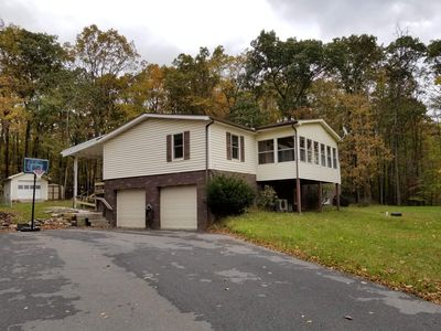 Large 3000 SQ FT 2Living Rms, 4BD, 3BTH, Huge Patio, Fire Pit!