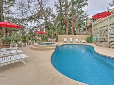 Photo for Fantastic Home with Private Pool and Hot Tub in Shipyard! Close to the Beach!