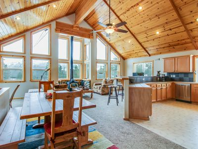 Photo for Ski lodge at Tahoe Donner w/ shared hot tub, pool, & access to Adventure Center