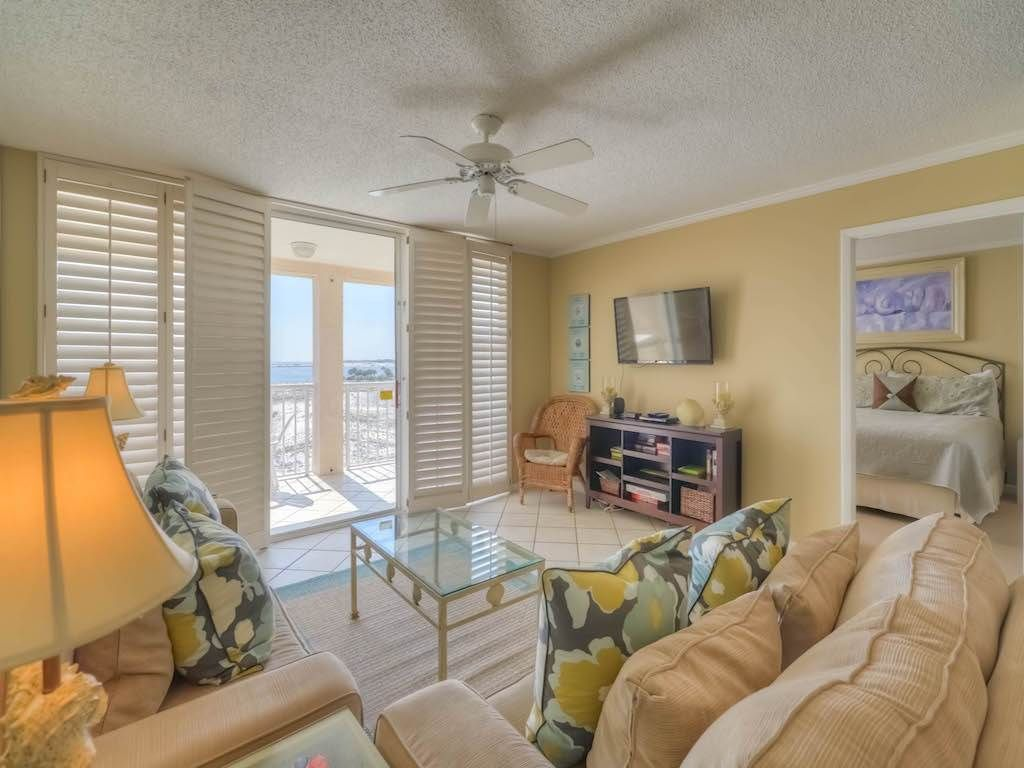 Magnolia Living Room Magnolia House 411 2 Br 2 Ba Condominium Homeaway Destin