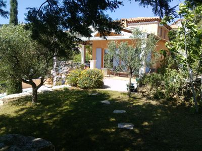 Photo for Sainte Maxime: In a residential area of Ste Maxime, overhanging the Golf course, large view on Ste Maxime and the golf of St Tropez, recent  villas for  8 to 10 persons in a quiet and pleasant environement . Easy access to the beaches and Shopping center.
