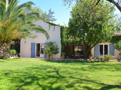 Photo for Architect's villa on 1000 m2, pool, near the sea and Montpellier