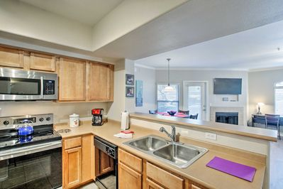 This vacation rental offers essentials like a fully equipped kitchen, and more!