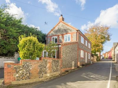 Photo for A beautifully presented and well equipped holiday home in Castle Acre.