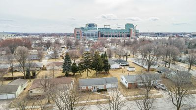 Rent the Lambeau Cottage for The Real PACKER EXPERIENCE!