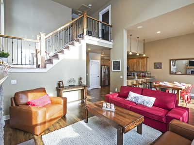 Photo for 6min to Resorts & Downtown MainSt! BBQ, WiFi -ClubhouseHotTub/Pool/Playground