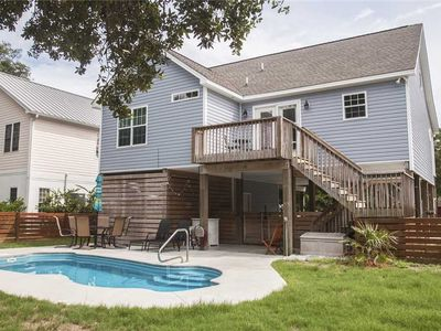 Photo for The Gypsy Rose: 4 BR / 3 BA home in Oak Island, Sleeps 10