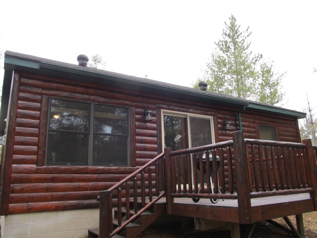 Fly fishing cabin upper manistee river vrbo for Fishing cabins in michigan