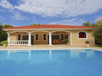 Photo for Villa with private pool in gated residence, short walk to the beach!