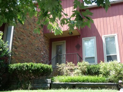 The Red House in Nashville - Low Mid-Week Rates!