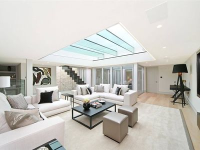 Photo for 4 bedroom penthouse in the heart of South Kensington