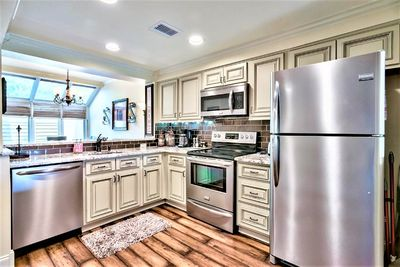 NEWLY REMODELED KITCHEN WITH EVERYTHING YOU NEED FOR THAT PERFECT MEAL!