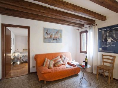 Photo for Silvestro: charming and typically Venetian small appartement close to Rialto