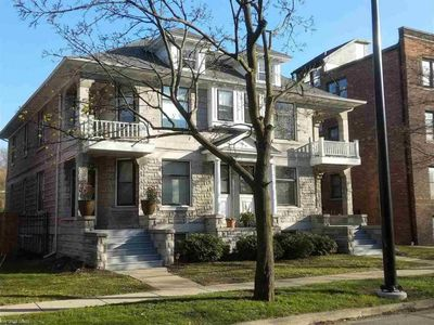 Photo for 3BR Townhome Vacation Rental in Detroit, Michigan