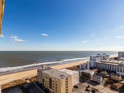 Photo for Condo with beautiful ocean and bay views, shared pool, gym, and free WiFi!