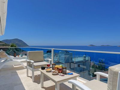 Photo for Beautiful 4 Bedroom Villa with Private Pool, 400 metres from the Sea.