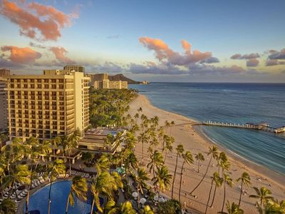 Photo for Hilton Hawaiian Village. Fabulous beach and lagoon! Over 450 Vrbo reviews!