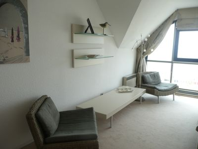Photo for Beautiful beachfront apartment with two terraces facing sea.