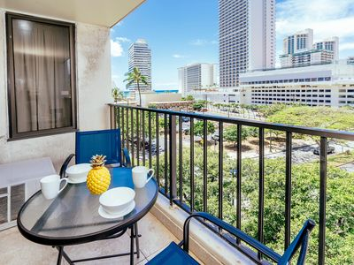 Photo for End Unit 1 BDR Condo with City Ocean View and Full Kitchen on Pool Deck