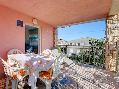Photo for Apartment only 700 meters to the sandy beach with climate, Wi-Fi, balcony, barbecue area