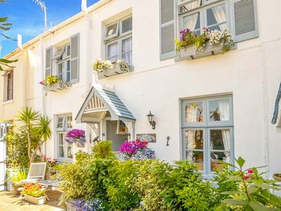 Photo for Blue Harbour Cottage, TORQUAY