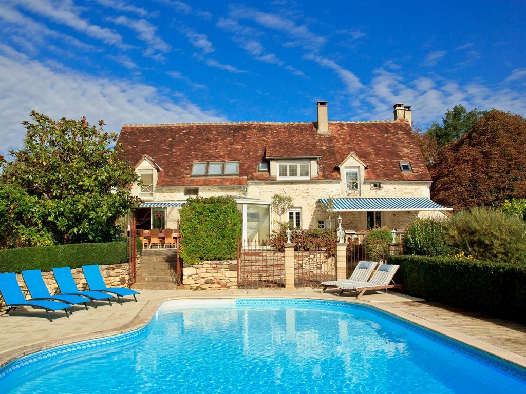 Beautiful Holiday Home For 16 People With Own Pool, Lainsecq, Burgundy