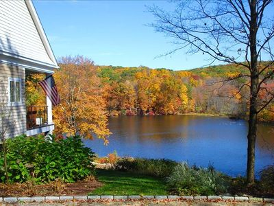 Luxury Waterfront house in Private setting in Litchfield County