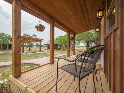 Photo for Country Tiny House - 10min to Silos at Magnolia (#2)