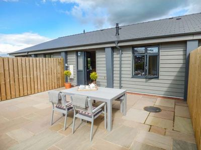 Photo for LAUREL, pet friendly, luxury holiday cottage in Peterstow, Ref 940062