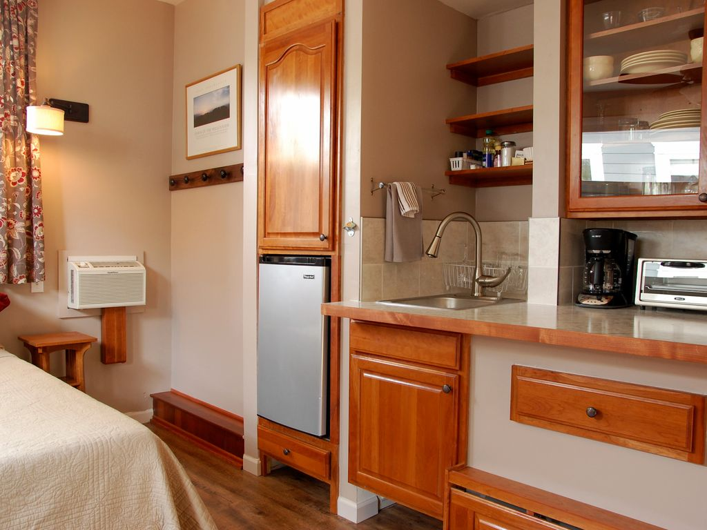 Finely Crafted Studio Apartment In The Heart Of Old Town