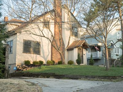 Photo for Delightful Private Lane Home in upscale Hyde Park