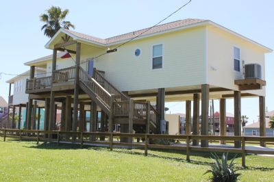 Photo for Quaint 3 bedroom beach house with easy beach access - A Salty Suite