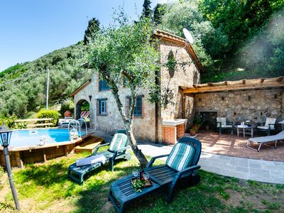 Photo for Private Villa with WIFI, private pool, TV, veranda, panoramic view, parking, close to Viareggio
