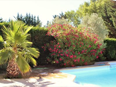 Photo for Villa AIX in Provence in quiet countryside 4kms from the city Secured swimming pool