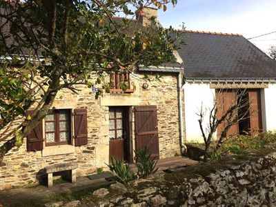 Photo for Traditional Breton house, Rhuys Peninsula, Morbihan
