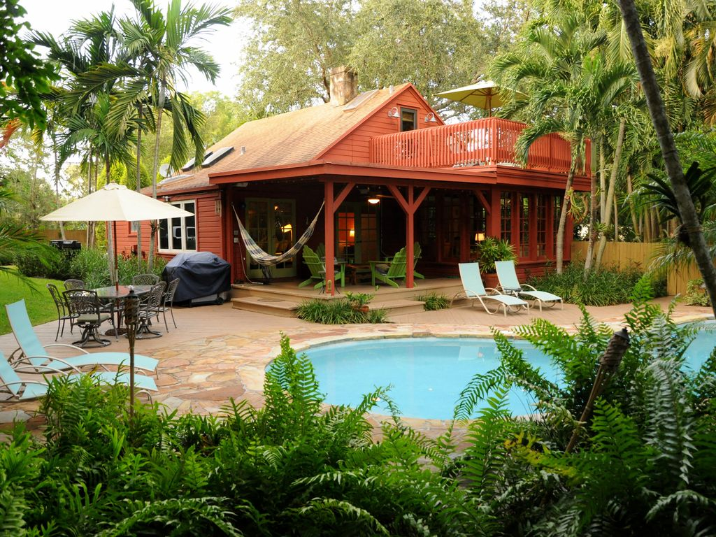 The Parrot House In Fort Lauderdale Vrbo
