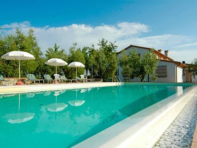 Photo for Nice apartment for 4 guests with pool, WIFI, TV and parking