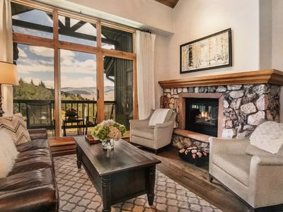 Photo for Stunning Ski-In/Ski-Out 3BR Penthouse in Lower Borders Lodge!