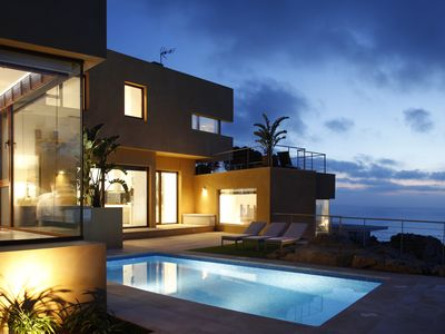 Photo for 7 bedrooms luxury villa over the sea