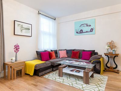 Photo for Stylish 2-bedroom apartment near Marble Arch