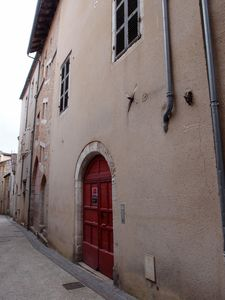 Photo for Very quiet apartment with garden in medieval residence in the heart of town