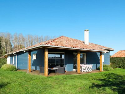 Photo for Vacation home Les Alouettes  in Azur, Aquitaine - 8 persons, 4 bedrooms
