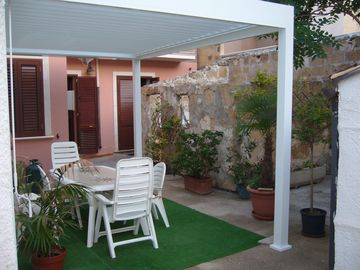 Search 387 holiday rentals