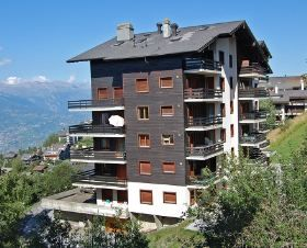 Photo for Apartment for 6 people, located at 900 meters from the ski lifts