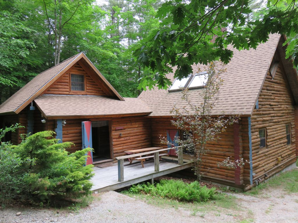 Log cabin in the woods by a lake - Secluded Lakeside Log Cabin On Squam Lake With Private Dock