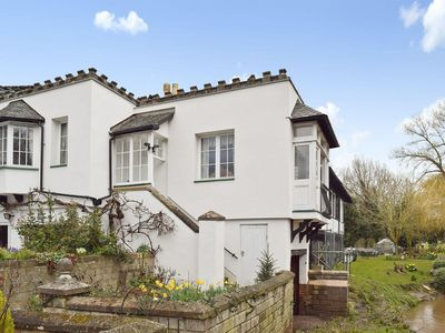 Photo for 1 bedroom property in Alcester.
