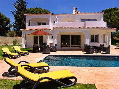 Photo for Refurbished 4 bedroom villa close to Vilamoura Marina W124