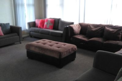 Huge Sunny Lounge with 60inch TV