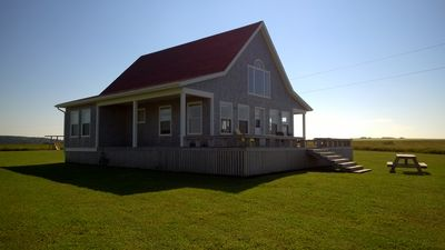 Photo for Beautiful Cottage with Panoramic Views / Direct Access to Beach